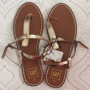 Gap Gold T-Strap Sandals Size 6.5 NWT